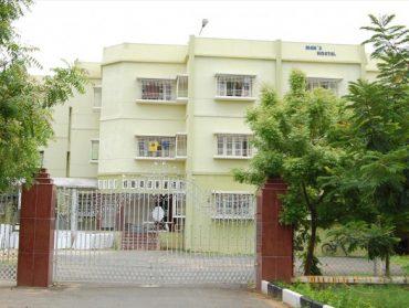 Hostel-1-585x440